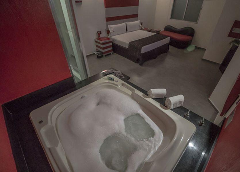 Motel Paris Guadalajara Jacuzzi