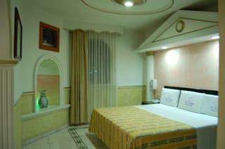 Motel La Joya Tlaquepaque Guadalajara cama